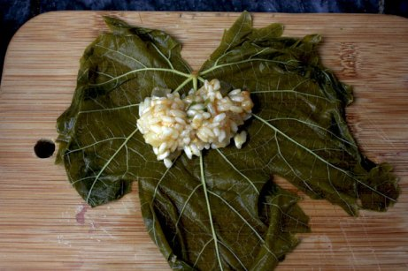 how to stuff a vine leaf